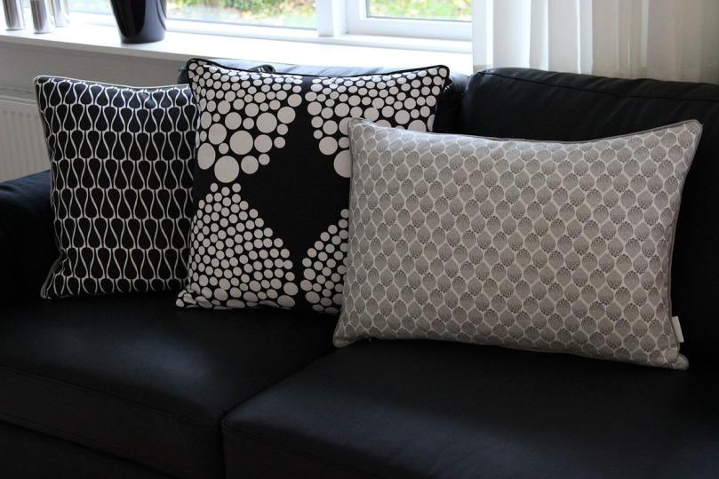 Cushions Black White