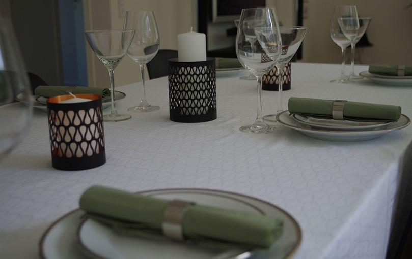 White tablecloth MADE BY MANOSTILES