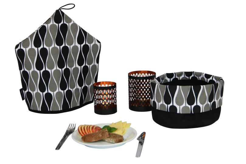 Seeds bred basket black&Grey BY manostiles - tea cozy and candlestick By Manostiles