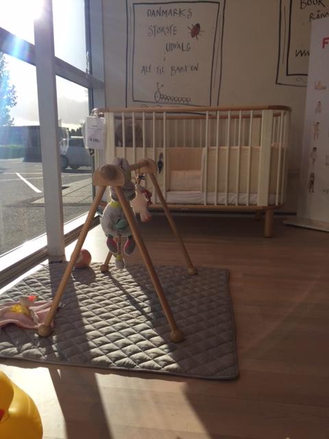 Manostiles BabySam Nordic Sky børnesengetøj - sengerand og quilt tæppe