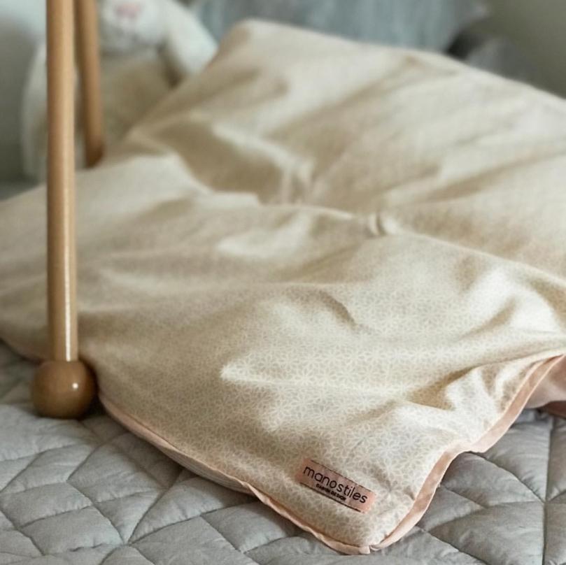 Babysengetøj økologisk Nude fra Manostiles