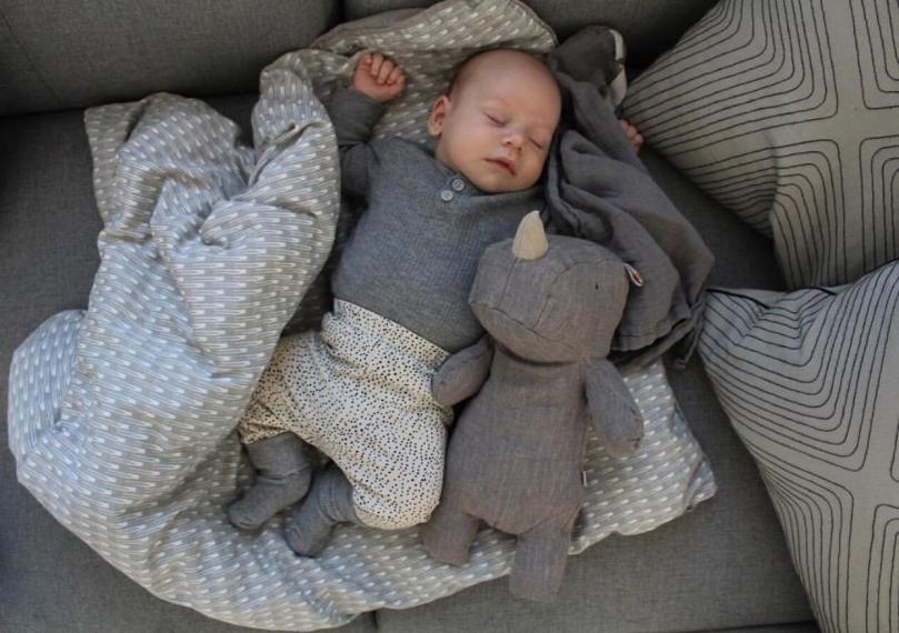 Babysengetøj økologisk blødt fra Manostiles