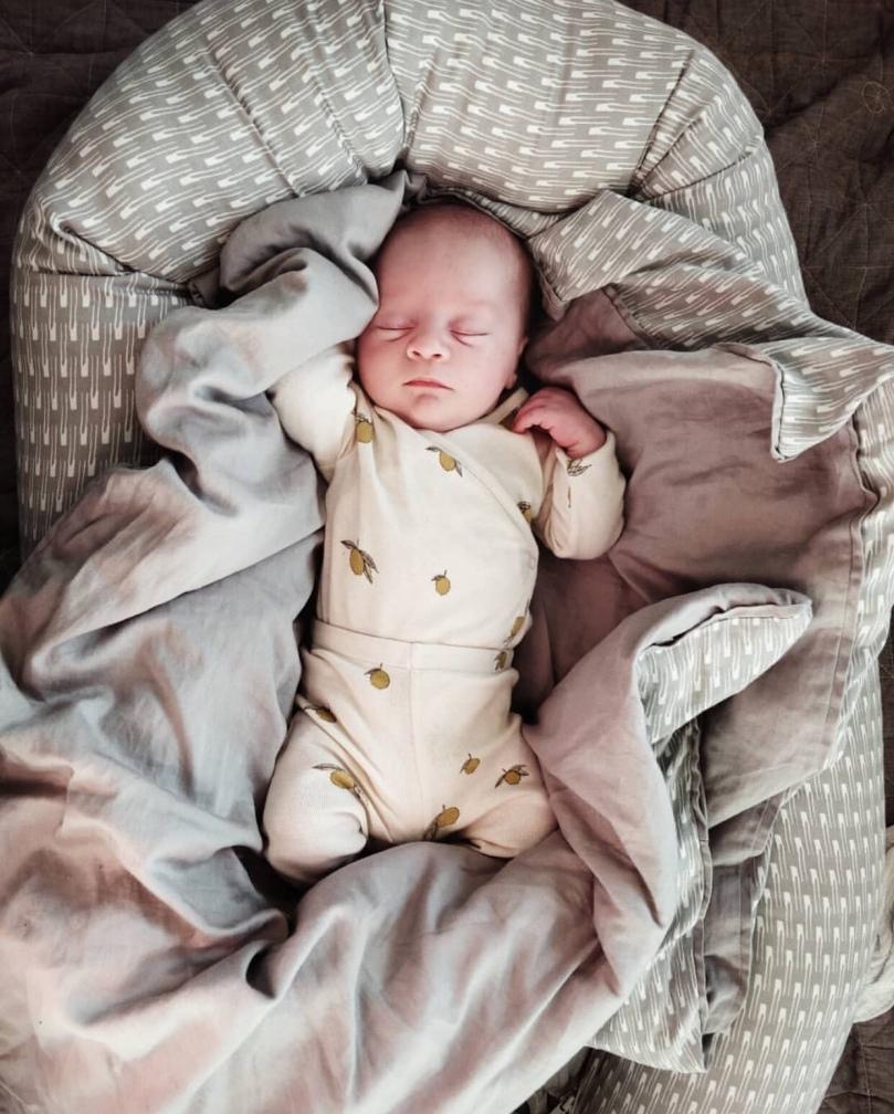 Babynest og sengetøj fra Manostiles